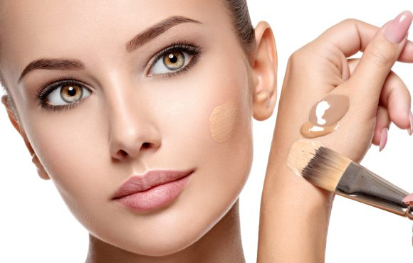 Come truccarsi in estate: consigli per un make-up resistente al sudore